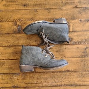Dirty Laundry Green Low Chukka Ankle Boots size 6